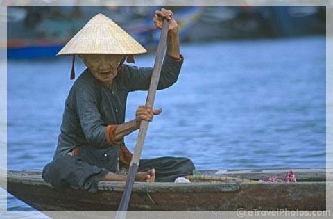 2PhuNu_VietNam480.jpg