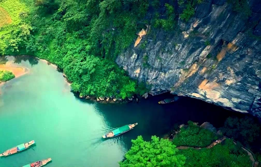 Động Phong Nha - điểm du lịch Quảng Bình nổi tiếng