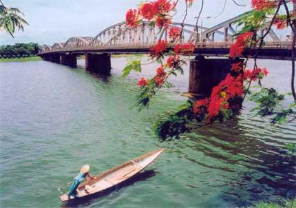 Thành Phố Hồ Chí Minh – Đà Nẵng – Huế – Quảng Trị – Quảng Bình 5 ngày 4 đêm