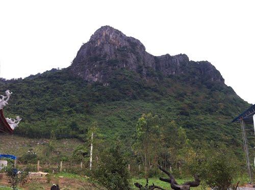 Cầu lộc tại Chùa Non- núi Thần Đinh