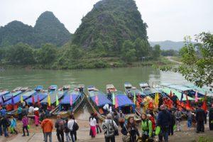 Gần 23.000 lượt khách đến tham quan Phong Nha