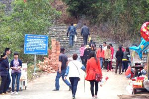 Hơn 10.000 du khách đến núi Thần Đinh Quảng Bình vào đầu năm mới
