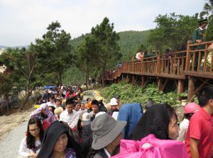 Lượng khách đến du lịch Quảng Bình tăng đột biến trong dịp lễ 30/4 và 01/5