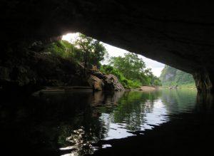 Xuyên Sơn Hồ – Lạ lùng và bí hiểm