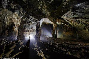Ngỡ ngàng với hang động mới phát hiện tại Phong Nha-Kẻ Bàng