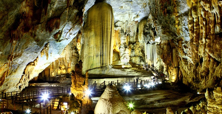 Du lịch hang động Quảng Bình ( Động Phong Nha – Động Thiên Đường)