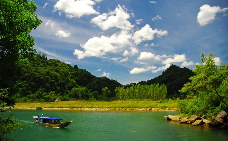 sông Son - đường vào động Phong Nha