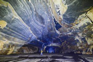 Không chỉ Sơn Đoòng, Quảng Bình còn có một hang động khác hoang sơ và đẹp đến ngạt thở!