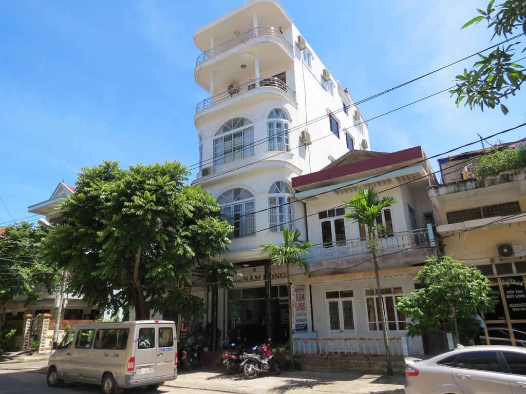 Khách sạn Năm Long