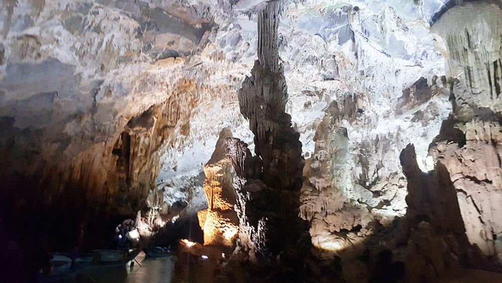 Tour Du lịch Sài Gòn Quảng Bình 4 ngày 3 đêm