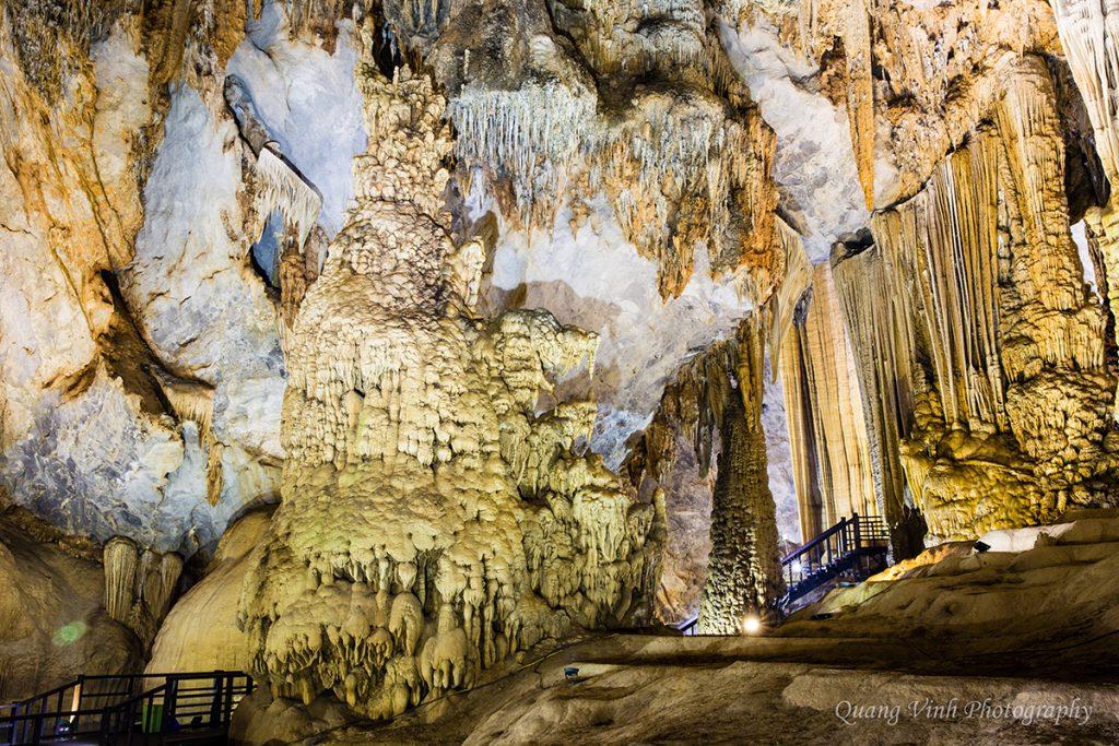 Hệ thống hang động Thiên Đường tráng lệ góp phần đưa du khách đến với Quảng Bình