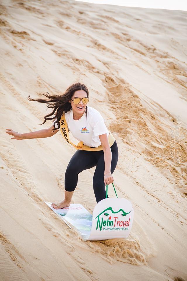 trò chơi trượt cát ở đồi cát quang phú