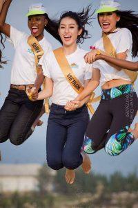 Hoa hậu hòa bình thế giới trượt cát tại Quảng Bình