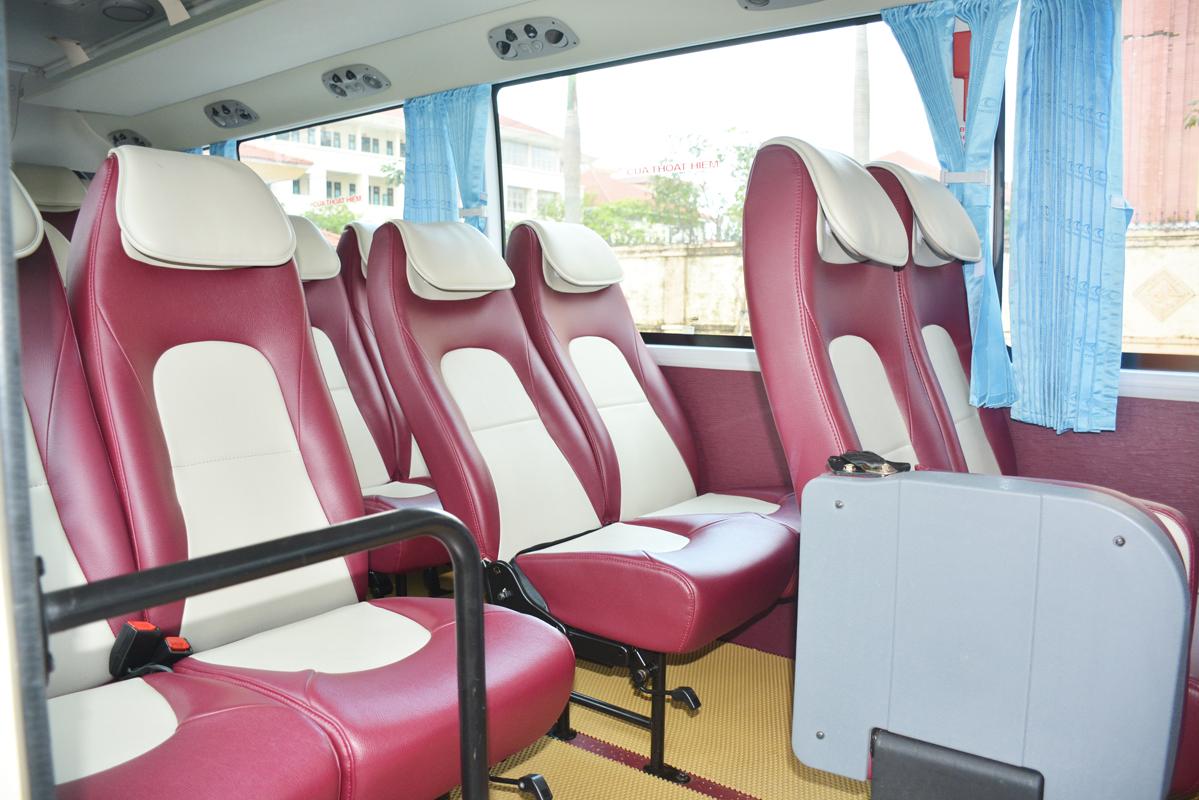 Bên trong nội thất xe 29 chỗ tại Quảng Bình