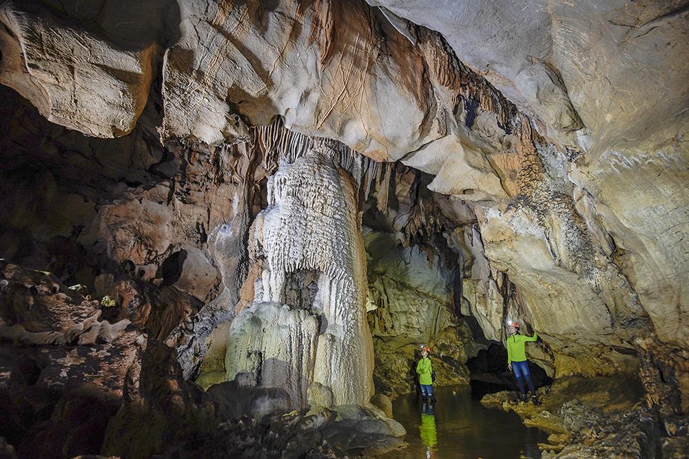 Hang Chà Lòi - điểm du lịch Quảng Bình mới được đưa vào khai thác