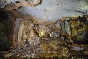 Hành trình về với hệ thống hang động tại Lệ Thủy