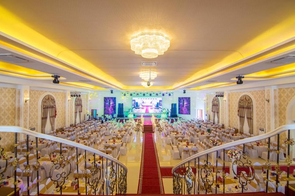 Không gian bên trong nhà hàng Amor palace