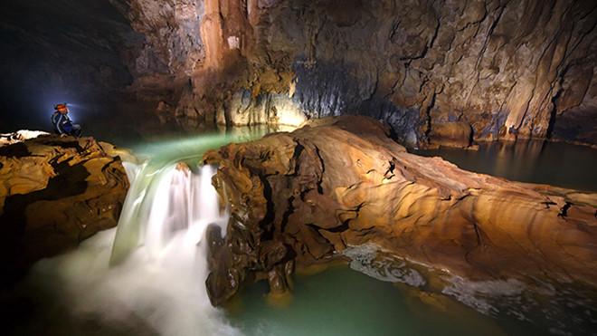 Vương quốc hang động Quảng Bình