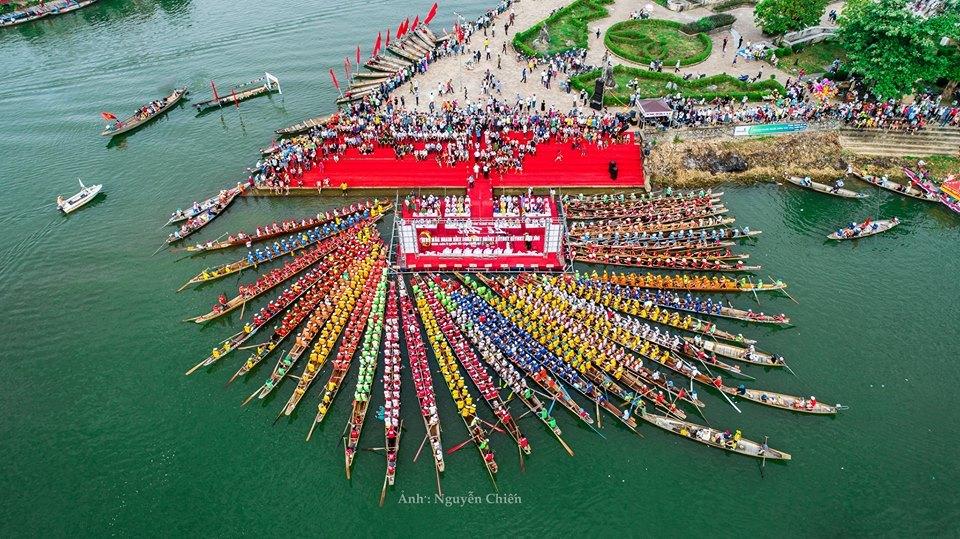 lễ hội đua thuyền truyền thống ở Lệ Thủy, Quảng Bình