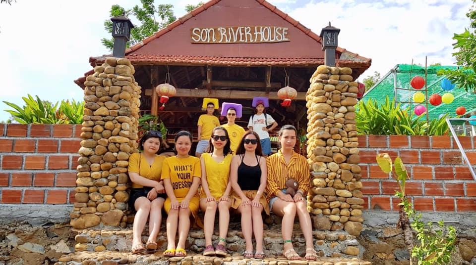 Son River House Quang Binh