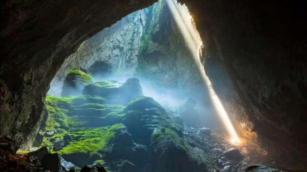 Hang Sơn Đoòng - điểm du lịch Quảng Bình dành cho những ai thích khám phá mạo hiểm
