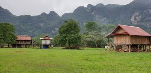 Đi du lịch Quảng Bình chẳng may gặp mưa vậy bạn nên làm gì.