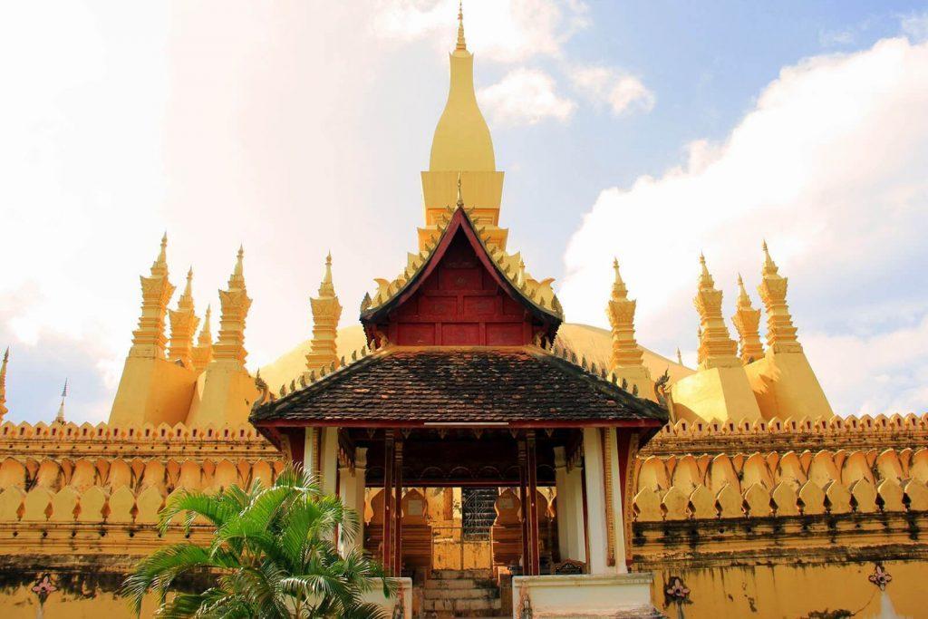 That Luang - điểm đến trong tour du lịch Lào Thái Lan