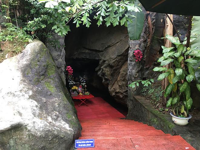Hang Tám Cô - điểm du lịch tâm linh ở Quảng Bình